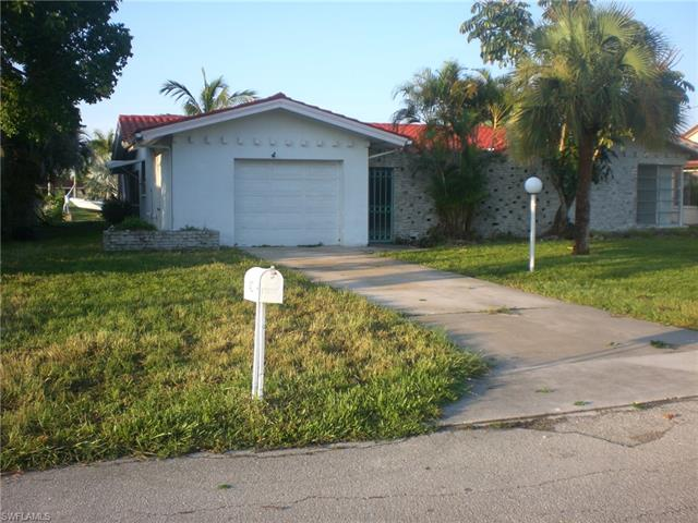 1432 Wellington Ct, Cape Coral, FL 33904