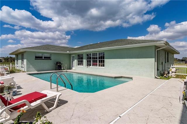 3080 Trail Dairy Cir, North Fort Myers, FL 33917