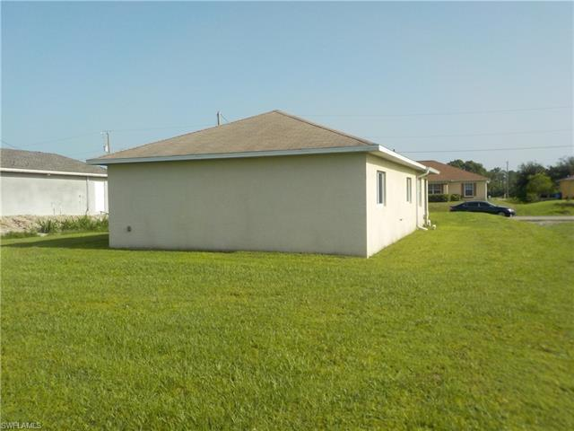 3805 2nd St Sw, Lehigh Acres, FL 33976