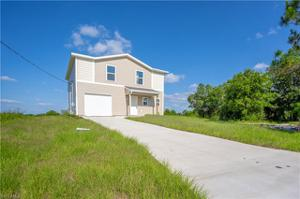 437 Progress Ave, Lehigh Acres, FL 33974
