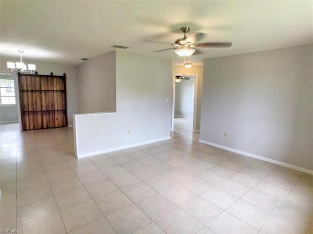 9061 Coral Gables Rd, Fort Myers, FL 33967