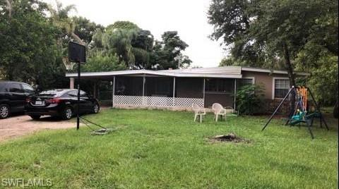 937 Singing Pines Ln, North Fort Myers, FL 33917