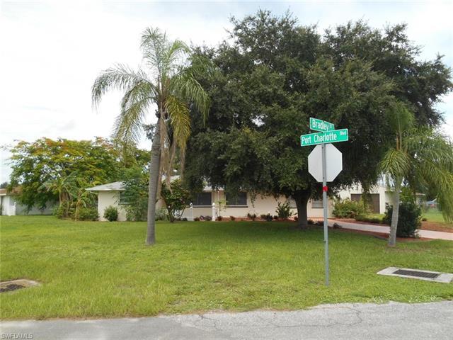 3292 Port Charlotte Blvd, Port Charlotte, FL 33952