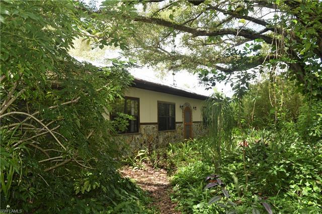 17841 Rancho 78 Dr, Alva, FL 33920