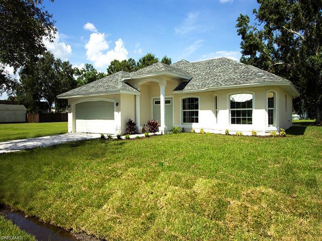 2930 Mccann St, Fort Myers, FL 33901