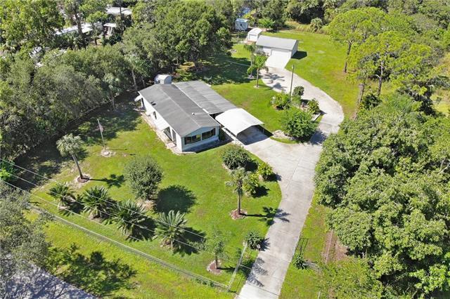 7692 Mcdaniel Dr, North Fort Myers, FL 33917
