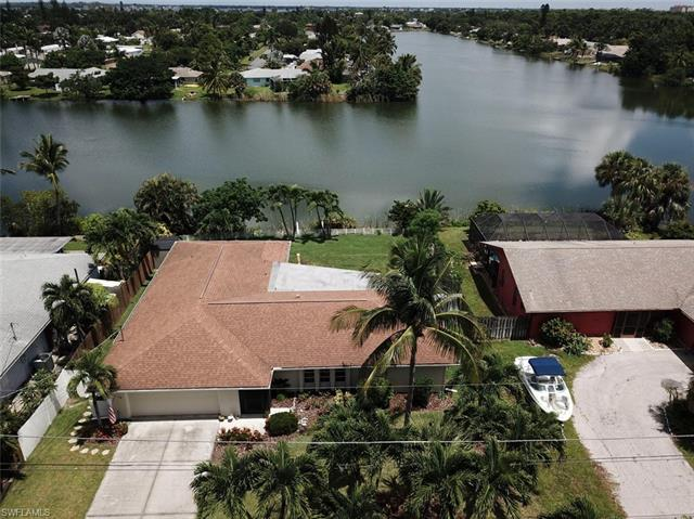 15880 Lake Candlewood Dr, Fort Myers, FL 33908