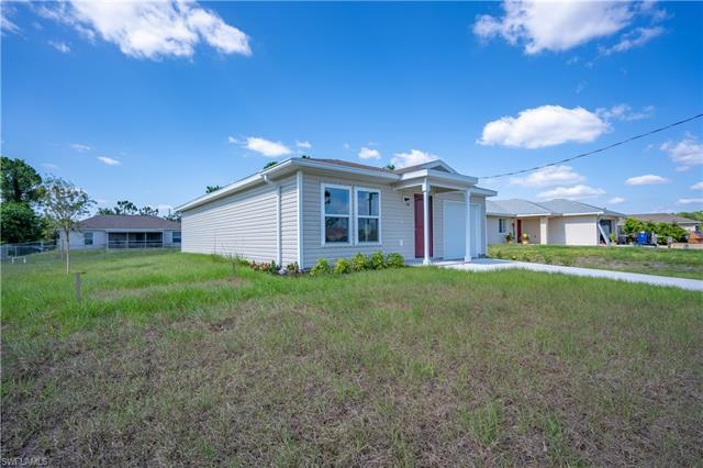 2916 5th St Sw, Lehigh Acres, FL 33976
