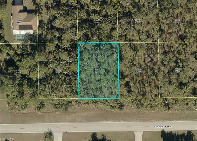 857 Sentinela Blvd, Lehigh Acres, FL 33974