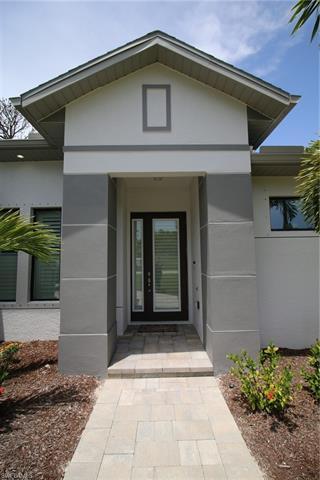 4650 Catalina Ln, Bonita Springs, FL 34134