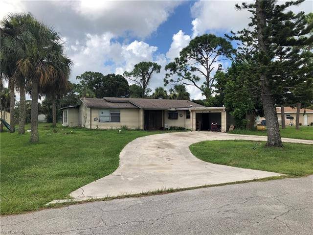 902 E 4th St, Lehigh Acres, FL 33936