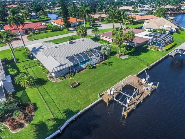 961 N Waterway Dr, Fort Myers, FL 33919
