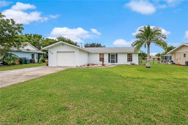 3728 Sw 1st Ave, Cape Coral, FL 33914