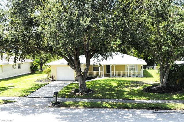 15742 Treasure Island Ln, Fort Myers, FL 33905