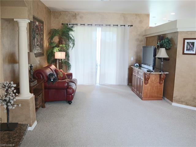 4512 Varsity Cir, Lehigh Acres, FL 33971