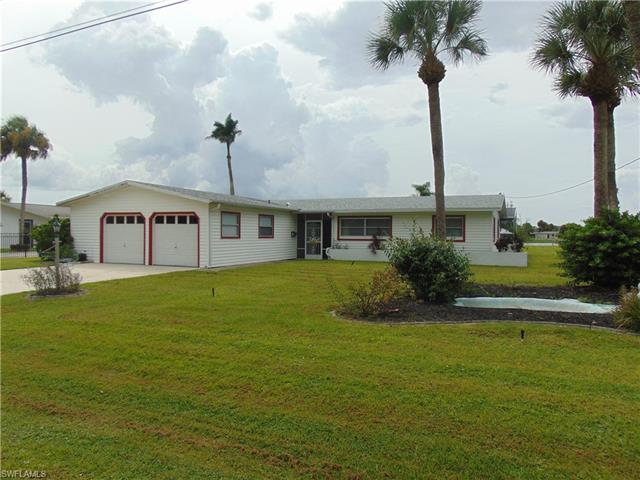 25 Lincoln Ave, Lehigh Acres, FL 33936