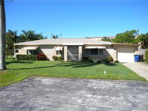 2055 Maravilla Cir, Fort Myers, FL 33901
