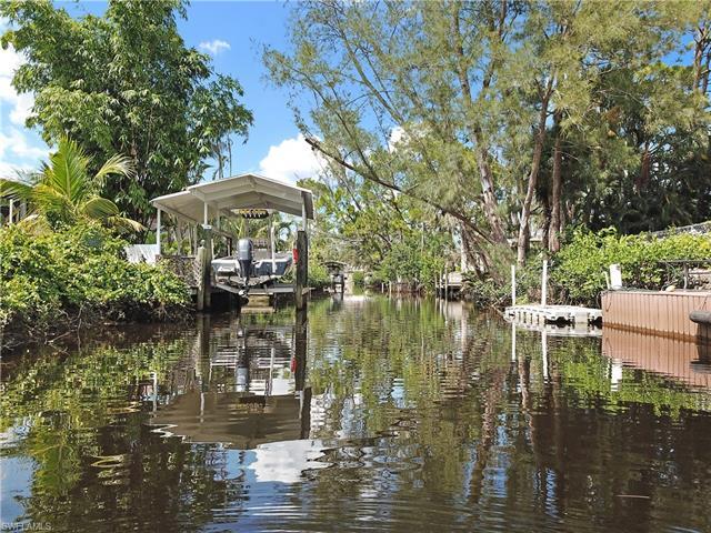 27273 J C Ln, Bonita Springs, FL 34135