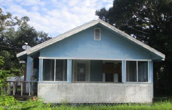 3865 Lora St, Fort Myers, FL 33916