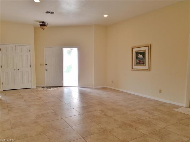 5817 Beechwood Trl, Fort Myers, FL 33919
