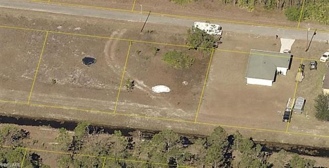 1252 Edna St E, Lehigh Acres, FL 33974