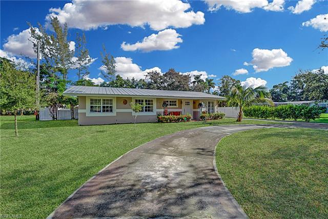 1343 Woodmere Ln, Fort Myers, FL 33919