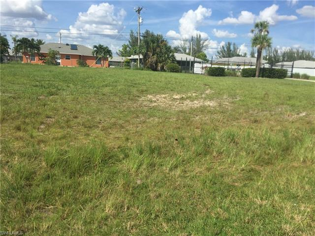 915 Sw 32nd Ter, Cape Coral, FL 33914