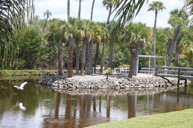 3914 Orange Grove Blvd 7, North Fort Myers, FL 33903