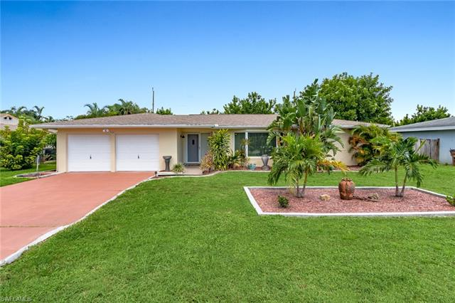 5221 Elm Ct, Cape Coral, FL 33904