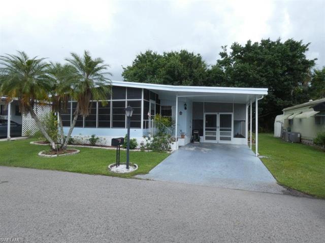 16627 Camelia Dr, Fort Myers, FL 33908
