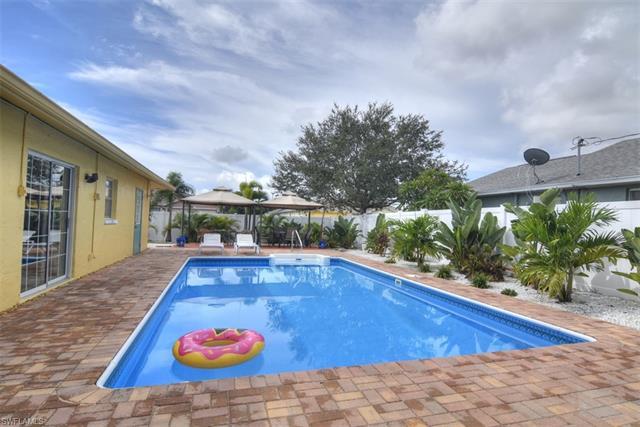 104 Ne 15th Pl, Cape Coral, FL 33909
