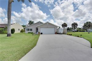 2202 Isle Of Pines Ave, Fort Myers, FL 33905