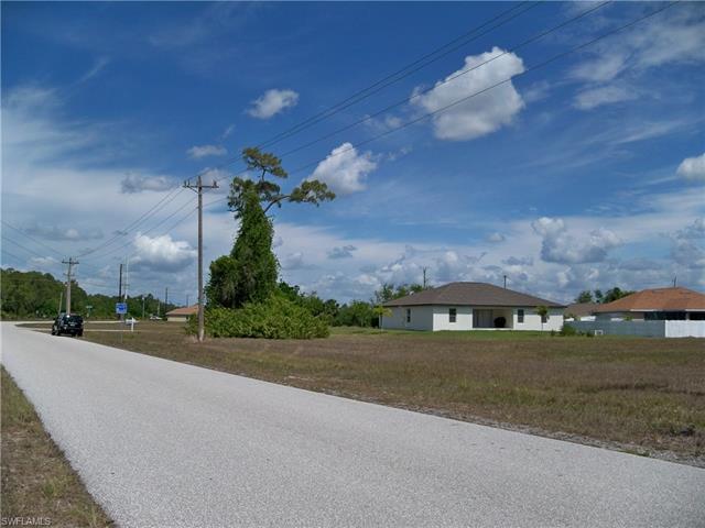 3203 Andalusia Blvd, Cape Coral, FL 33909
