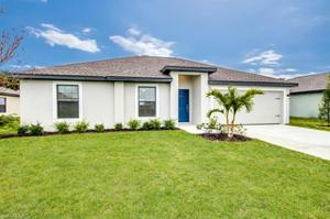 121 Blackstone Dr, Fort Myers, FL 33913
