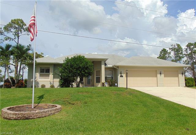 637 Parkdale Blvd, Lehigh Acres, FL 33974