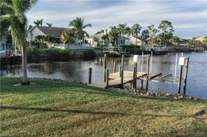 5701 Harborage Dr, Fort Myers, FL 33908