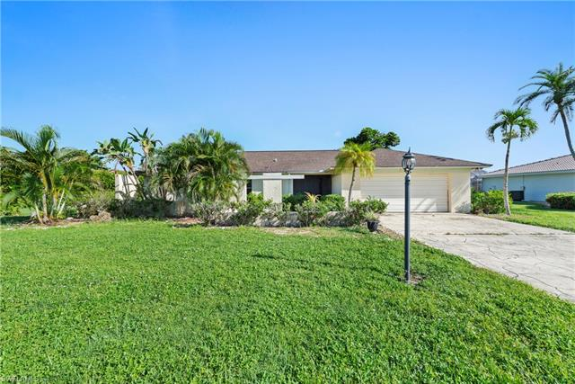 881 Jennifer Ln, Fort Myers, FL 33919