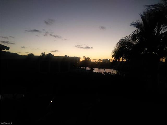 35 Fairview Blvd, Fort Myers Beach, FL 33931