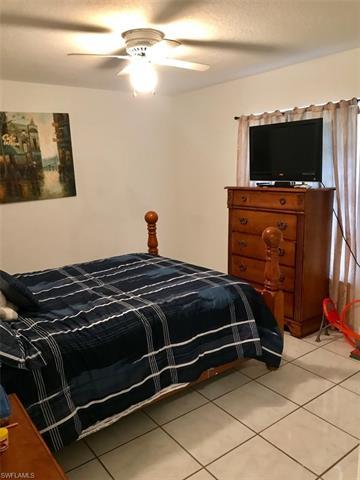 1811 Viscaya Pky, Cape Coral, FL 33990
