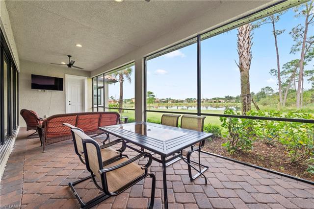 10105 E Avalon Lake Cir, Fort Myers, FL 33913