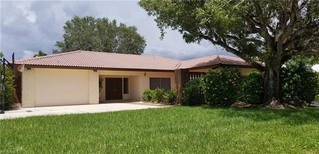 805 Cape View Dr, Fort Myers, FL 33919