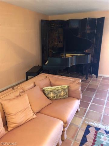 4234 Crayton Rd, Naples, FL 34103