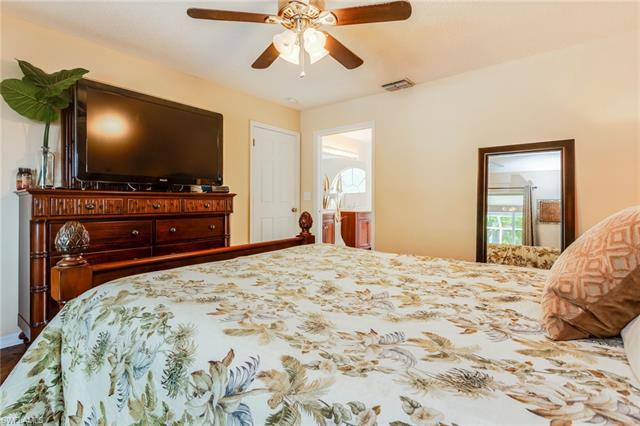 201 Se 44th St, Cape Coral, FL 33904