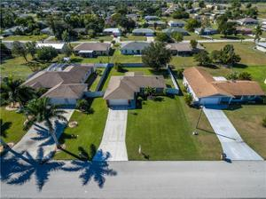 230 Ne 10th Pl, Cape Coral, FL 33909