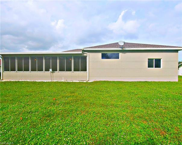 618 Morning Mist Ln, Lehigh Acres, FL 33974