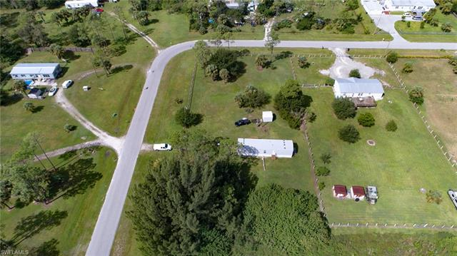 8221 Scarecrow Rd, North Fort Myers, FL 33917