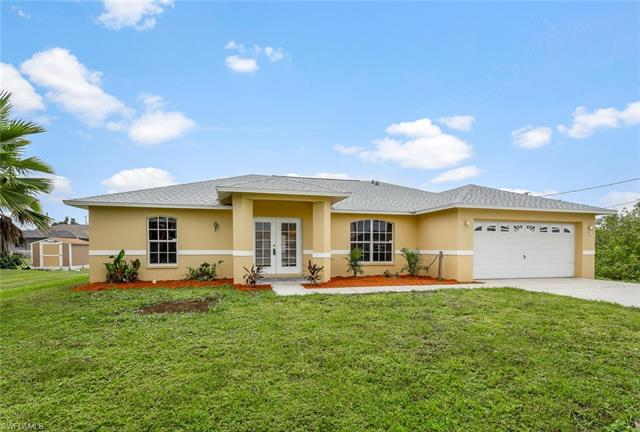 214 Blackstone Dr, Fort Myers, FL 33913