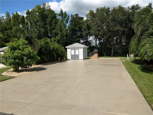 5610 Cypresswoods Resort Dr, Fort Myers, FL 33905