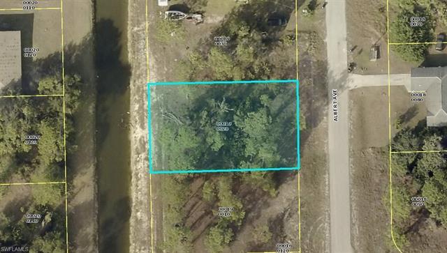 903 Albert Ave, Lehigh Acres, FL 33971