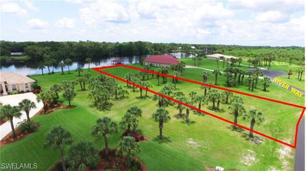 2404 River Way, Labelle, FL 33935